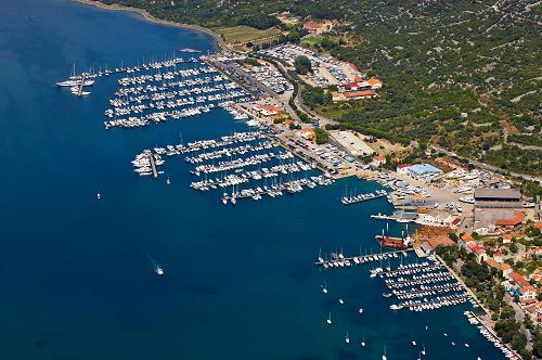Yacht charter croatia sailing yachts catamaran motor for Rocky waters motor inn fire damage